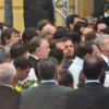 Dilma e Aécio evitam se aproximar na saída da missa de Eduardo Campos