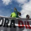Lucas Bocão é vaiado e impedido de discursar em protesto contra governo Dilma em Teixeira de Freitas