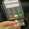 Juros do cartão de crédito se aproximam de 300% ao ano, segundo Anefac