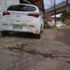 Urgente: Corpo de homem é encontrado dentro de veículo com placa de Teixeira de Freitas em Salvador