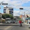 Jequié: Dupla em motocicleta assalta seis pessoas de uma só vez