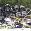 Homem morre após caminhão despencar de ponte