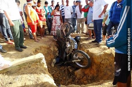 Jose-de-Araujo-Santos-morto-apos-cair-em-buraco-em-Medeiros-Neto-4