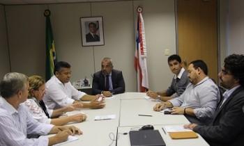 O deputado Valmir Assunção durante agenda em Salvador com CDL e Sindcomércio de Itamaraju - FOTO Divulgação